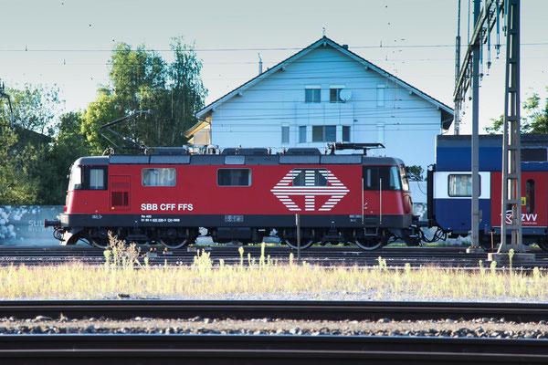 Re 4/4, 11226 (420 226-3 LION), Rotkreuz (02.09.2013) ©pannerrail.com