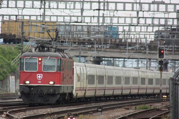 Re 4/4, 11159, Killwangen (03.06.2011) ©pannerrail.com