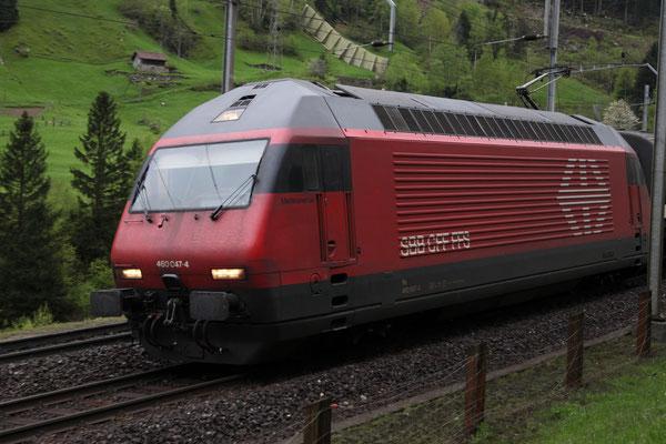 """Re 460 047-4, """"Maderanertal"""", Wassen, 11.05.2013 (©pannerrail.com)"""