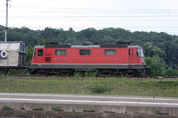 Re 4/4, 11245, Killwangen (03.06.2011) ©pannerrail.com