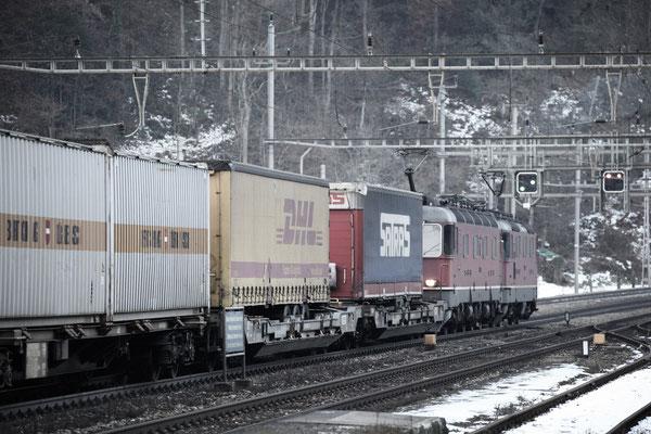 Re 4/4, 11342, Amsteg-Silenen (17.12.2013) ©pannerrail.com