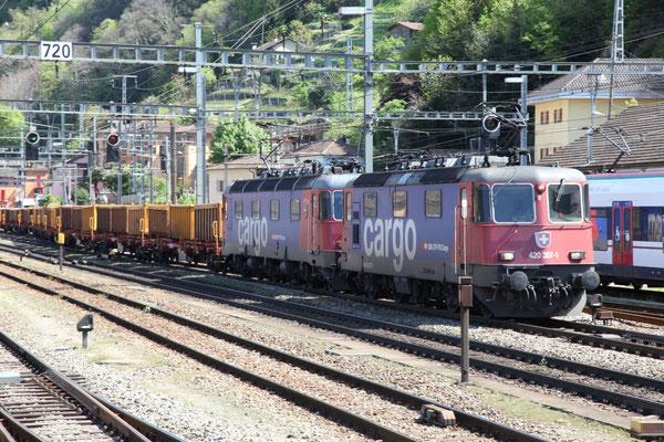 "Re 6/6 11661 ""Gampel-Steg"", Bellinzona (17.04.2012) ©pannerrail.com"