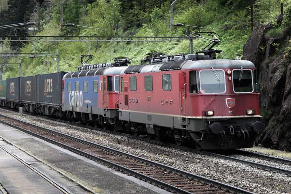Re 4/4, 11269, Wassen (24.05.2013) ©pannerrail.com