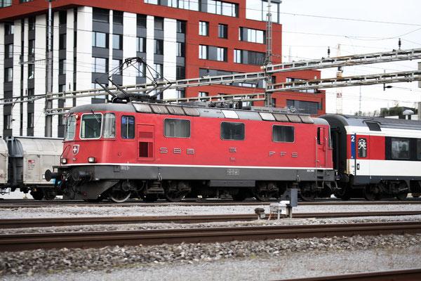Re 4/4, 11114, Rotkreuz (20.09.2013) ©pannerrail.com