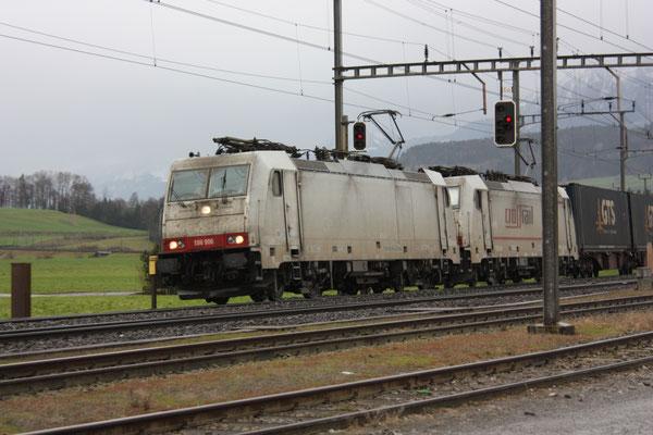 Crossrail, BR 186 906, Oberrüti (07.12.2011) ©pannerrail.com