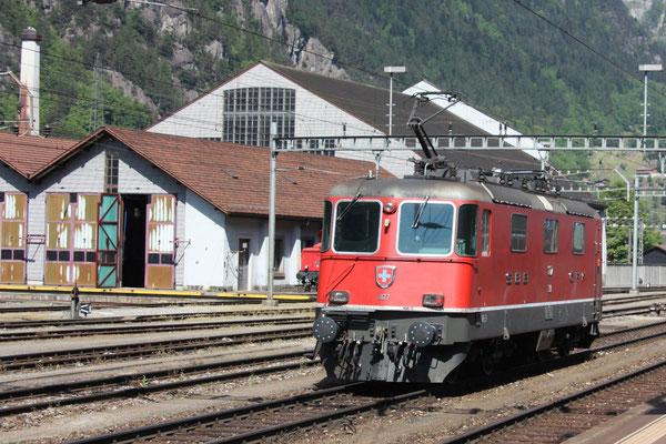 Re 4/4, 11177, Erstfeld (07.05.2011) ©pannerrail.com