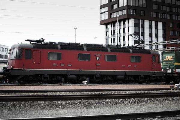"""Re 6/6 11668 (Re 620) """"Stein-Säckingen"""", Rotkreuz (15.05.2013) ©pannerrail.com"""