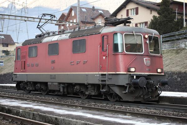 Re 4/4, 11275, Amsteg-Silenen (17.12.2013) ©pannerrail.com