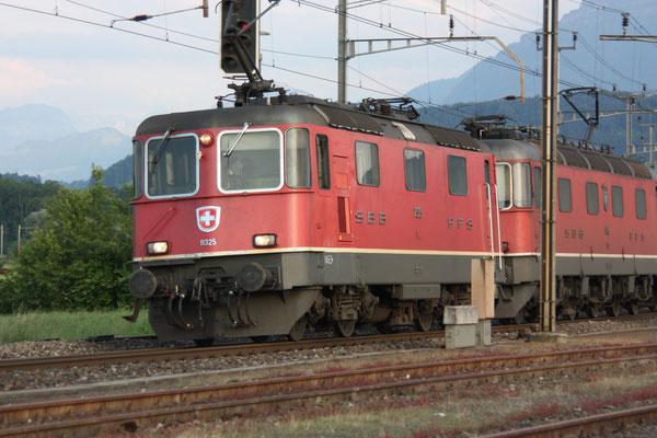 Re 4/4, 11325, Oberrüti (23.06.2010) ©pannerrail.com