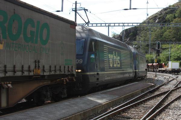 """BLS Re 465 009-9, """"Napf"""", Ausserberg (31.08.2011) ©pannerrail.com"""