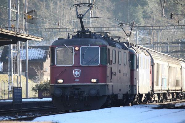 Re 4/4, 11314, Amsteg-Silenen (17.12.2013) ©pannerrail.com