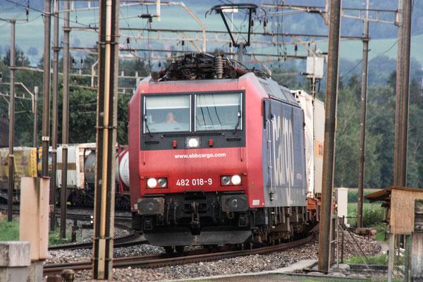 SBB Re 482 018-9, Oberrüti  (21.07.2010) ©pannerrail.com