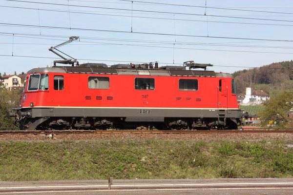 Re 4/4, 11187, Killwangen (06.04.2011) ©pannerrail.com
