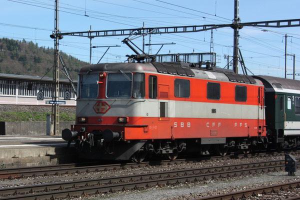 """Re 4/4, 11109, """"Swiss-Express"""", Killwangen (06.04.2011) ©pannerrail.com"""