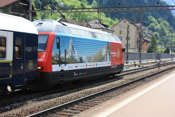 "Re 460 036-4 ""My Switzerland"", Erstfeld, 07.05.2011 (©pannerrail.com)"