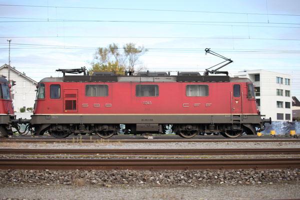 Re 4/4, 11345, Rotkreuz (15.10.2013) ©pannerrail.com