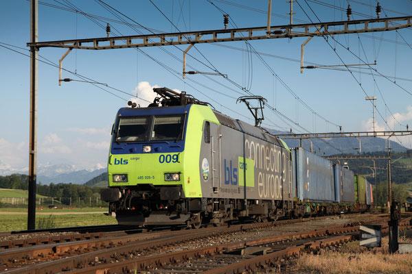 BLS Re 485 009-5, Oberrüti (06.06.2013) ©pannerrail.com