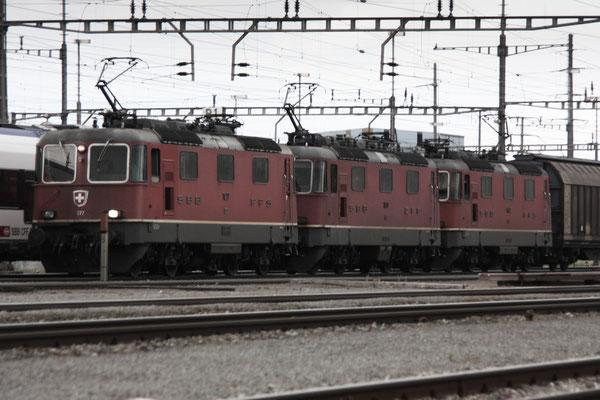 Re 4/4 (Re 420/430) Mehrfachtraktionen - SBB / SBB Cargo - ©pannerrail.com