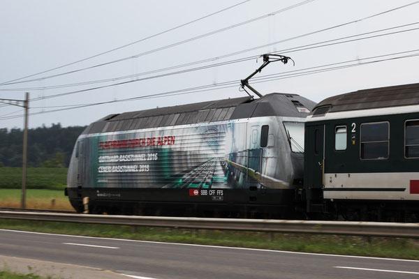 """Re 460 107-6 """"Alptransit"""", Immensee, 18.07.2013 (©pannerrail.com)"""