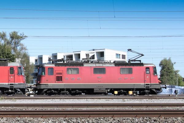 Re 4/4, 11327, Rotkreuz (03.09.2013) ©pannerrail.com
