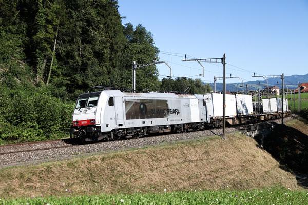"Railcare BR 186 ""Blackpearl"", Rotkreuz (03.09.2013) ©pannerrail.com"