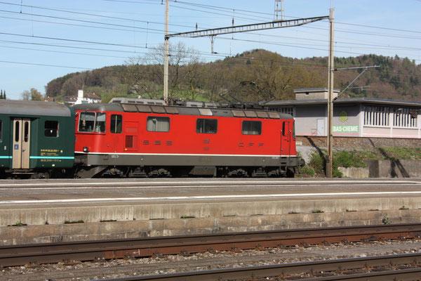 Re 4/4, 11116, Killwangen (06.04.2011) ©pannerrail.com