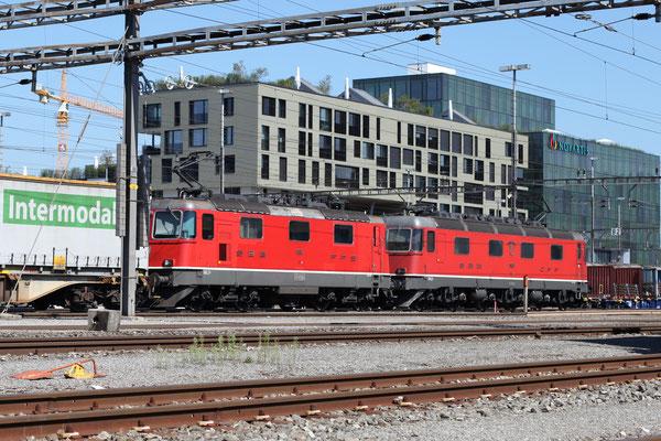 Re 4/4, 11163, Rotkreuz (05.09.2013) ©pannerrail.com