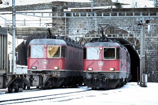 Re 4/4, 11348, Göschenen (17.12.2013) ©pannerrail.com