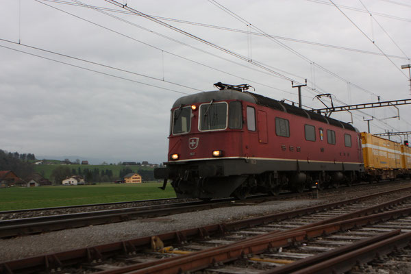 "Re 6/6  11617 ""Heerbrugg"", Oberrüti (04.04.2012) ©pannerrail.com"