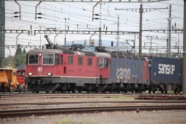 Re 4/4, 11338, Rotkreuz (08.08.2013) ©pannerrail.com