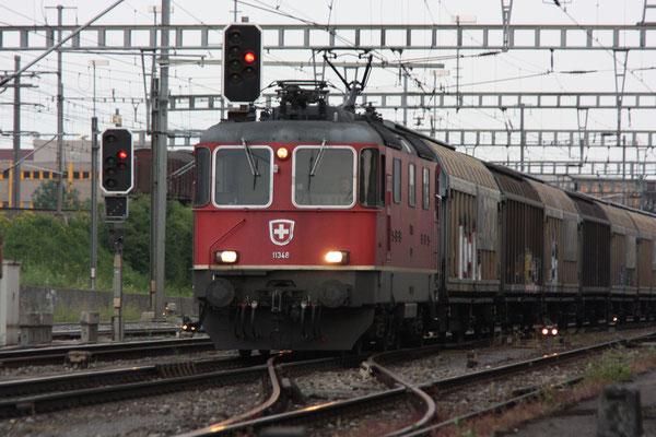 Re 4/4, 11348, Killwangen (03.06.2011) ©pannerrail.com