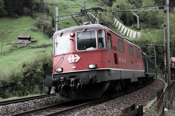 Re 4/4, 11141, Wassen (11.05.2013) ©pannerrail.com