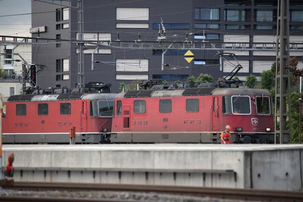 Re 4/4, 11233, Rotkreuz (20.09.2013) ©pannerrail.com