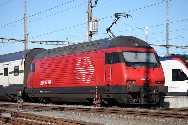 """Re 460 019-3 """"Terre Sainte"""" , Rotkreuz, 03.09.2013 (©pannerrail.com)"""