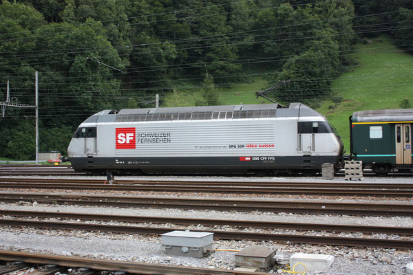 "Re 460 107-6 ""Schweizer Fernsehen"", Ziegelbrücke, 06.08.2010 (©pannerrail.com)"