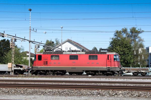 Re 4/4, 11235, Rotkreuz (03.09.2013) ©pannerrail.com