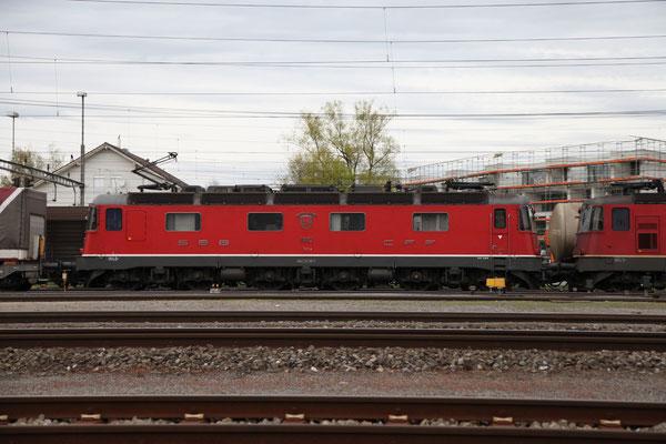 """Re 6/6 11683 """"Amsteg-Silenen"""", Rotkreuz (25.04.2012) ©pannerrail.com"""