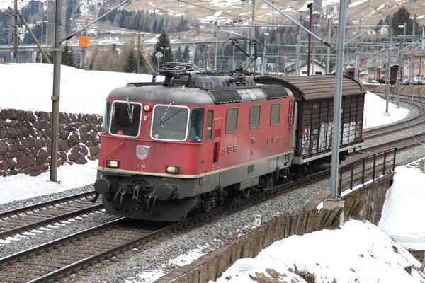 Re 4/4, 11294, Airolo  (28.02.2013) ©pannerrail.com