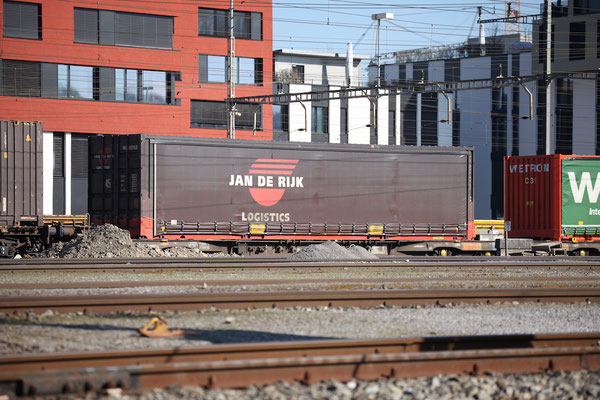 """Kombinierter Güterverkehr - Planen-Container """"Jan de Rijk"""""""