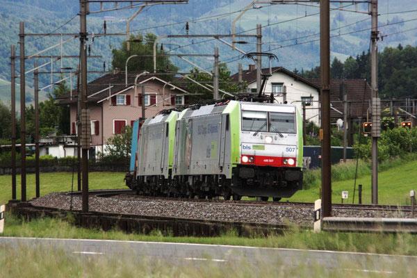 BLS Re 486 507, Rotkreuz (30.05.2010) ©pannerrail.com