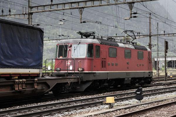 Re 4/4, 11162, Wassen (11.05.2013) ©pannerrail.com
