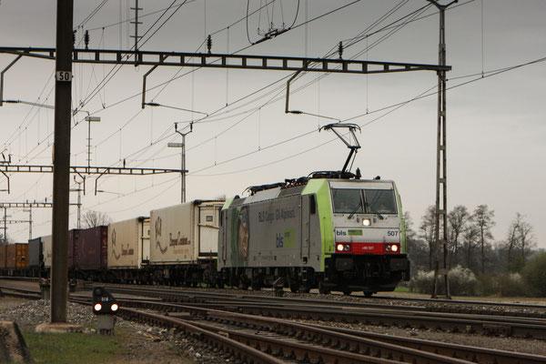 BLS Re 486 507, Oberrüti (04.04.2012) ©pannerrail.com