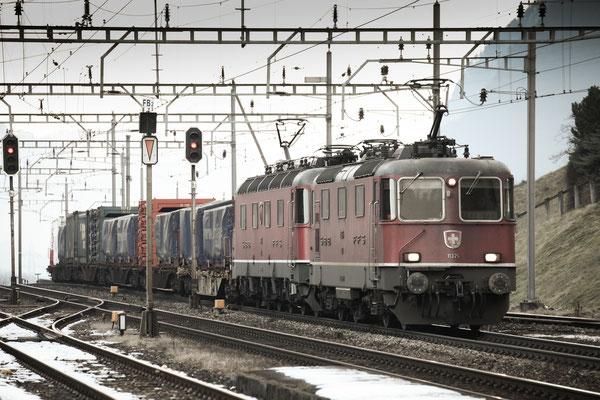 Re 4/4, 11326, Amsteg-Silenen (17.12.2013) ©pannerrail.com