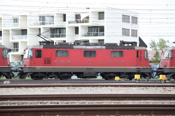Re 4/4, 11242, Rotkreuz (18.07.2013) ©pannerrail.com