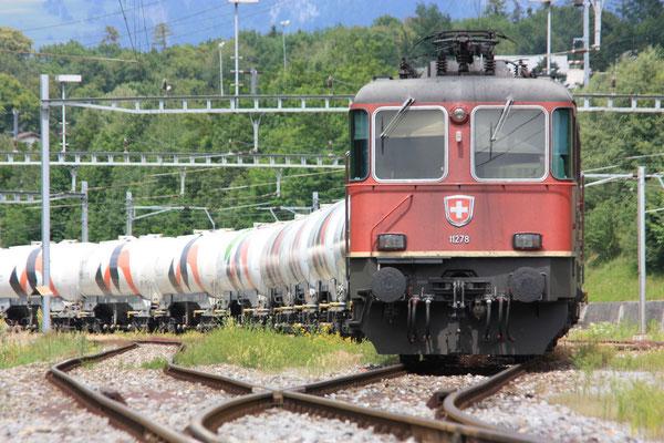 Re 4/4, 11278, Untervaz (11.06.2011) ©pannerrail.com