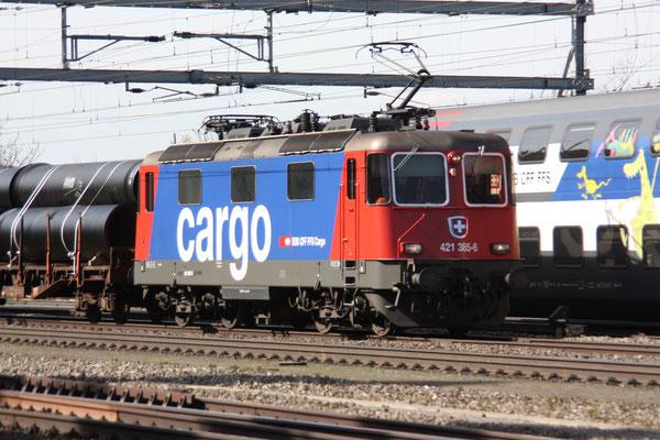 Re 4/4, 11385 (421 385-6 Cargo), Killwangen (06.04.2011) ©pannerrail.com