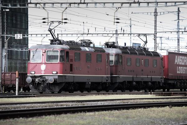 Re 4/4, 11329, Rotkreuz (12.05.2013) ©pannerrail.com