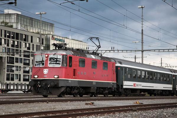 Re 4/4, 11210, Rotkreuz (11.09.2013) ©pannerrail.com