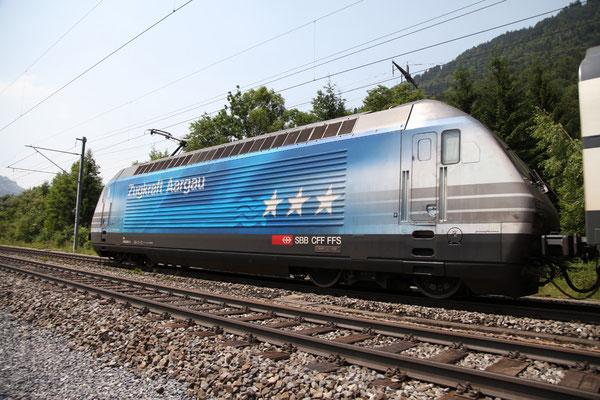 """Re 460 024-3 """"Zugkraft Aargau"""", Mülenen, 30.06.2012 (©pannerrail.com)"""