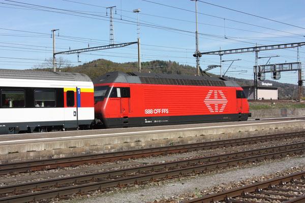 """Re 460 069-8 """"Verkehrshaus"""", Killwangen, 06.04.2011 (©pannerrail.com)"""